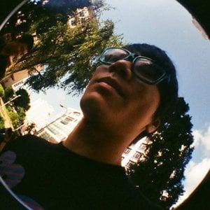 Profile picture for Desmond Tan
