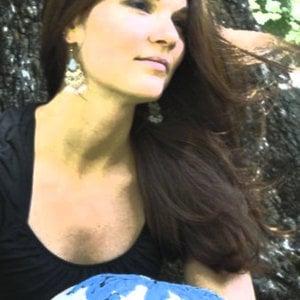 Profile picture for Elizabeth Shell