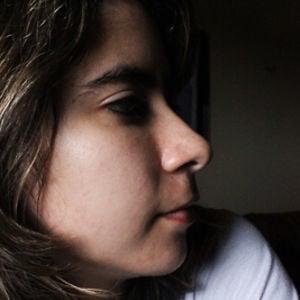 Profile picture for Caroline Queiroz