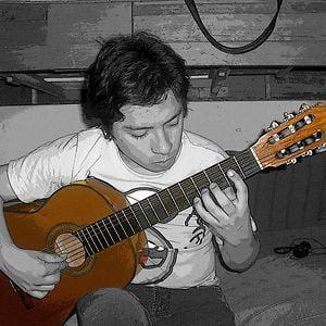 Profile picture for Erik Limón