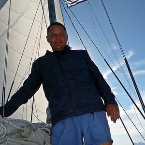 Profile picture for Julian Iliev