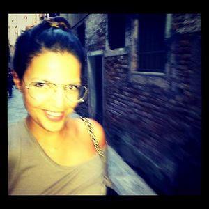 Profile picture for Janaina Cabello