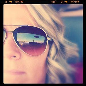 Profile picture for Rhonna Farrer