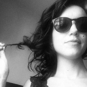 Profile picture for Ariadine Menezes