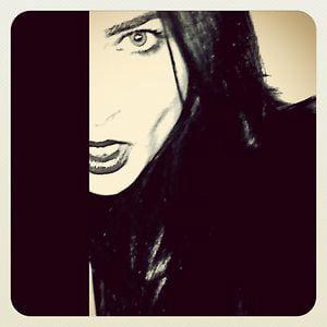 Profile picture for Aurélia Burcu Aquin