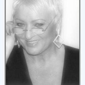 Profile picture for Liz Fischer