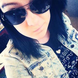 Profile picture for Kristi McElhone