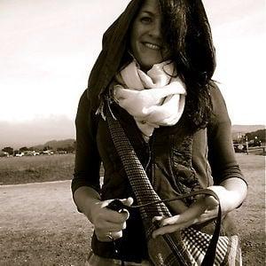 Profile picture for Lindsay Schwartz