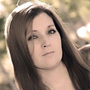 Profile picture for Lisa Derfler