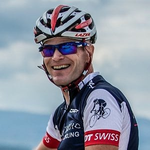 Profile picture for Peter Easton/VeloClassic Cycling