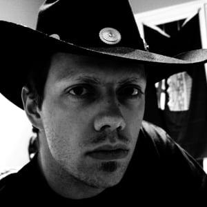 Profile picture for Derek Loewen