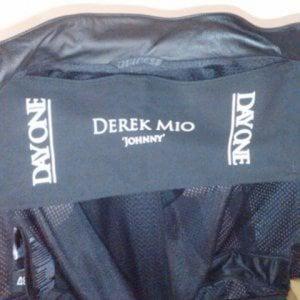 Profile picture for Derek Mio