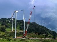 Timelapse - Wind Turbine Blade Installation