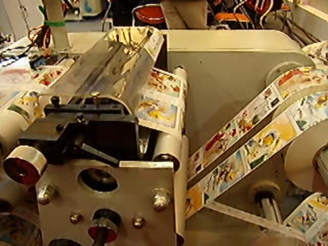 DK-320 label slitter rewinder