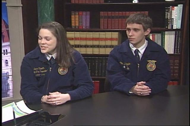 Assemblywoman Aileen Gunther discusses agriculture with Tri-Valley FFA Students