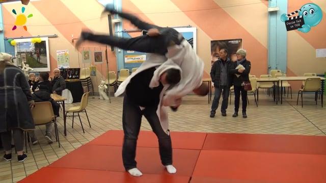 DECIZE FAIT SA TELE au Téléthon à Decize avec le judo club Decizois ...le judo c' est comme le vélo...30 ans. Déja!!