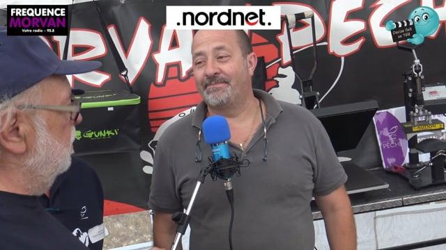 DECIZE FAIT SA TELE AVEC RADIO MORVAN A PANNECIERE AU FESTIVAL DE LA PECHE AUX LEURRES STAND DE MORVAN PECHE