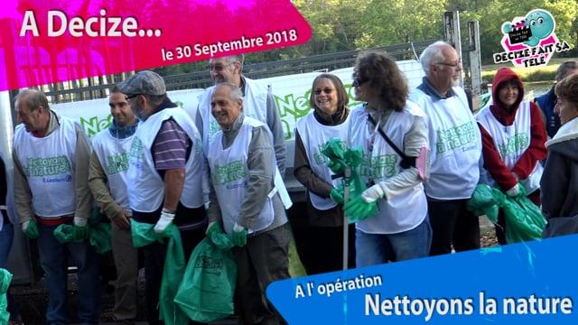 """Decize Fait sa Télé à Decize à l' opération """"Nettoyons la nature"""" proposée par  Leclerc et organisée par la Municipalité"""
