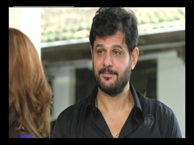 Cena de André Di Mauro na novela Vitória (2014)