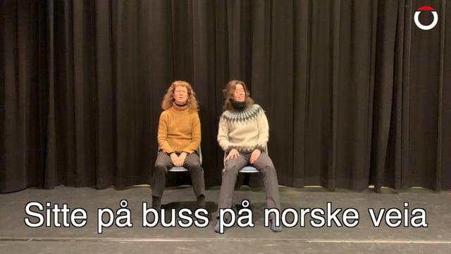 Sitte på buss på nordnorske veia