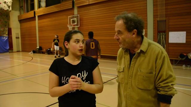 Locados - Leçon de trampoling avec Maria-David