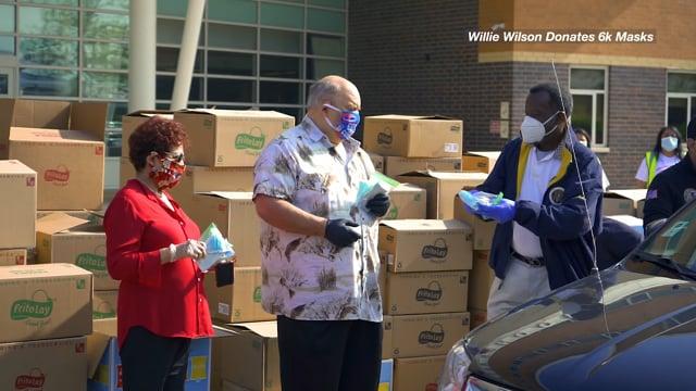 Willie Wilson Donates 6000 Masks