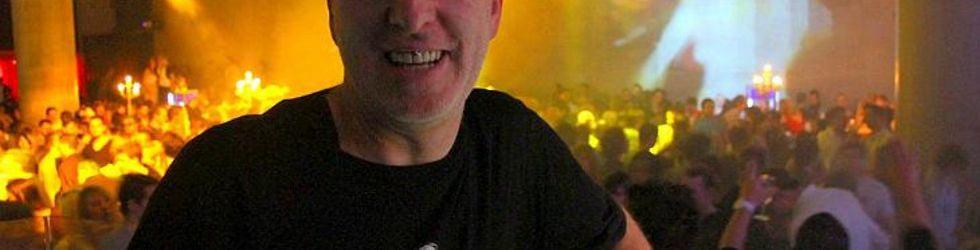 Peter Becker aka VJ Autopilot   Highflyer