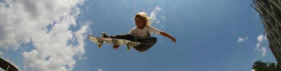 Groms Skateboarding & Surfing