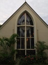 St. Albanʻs Chapel at ʻIolani School