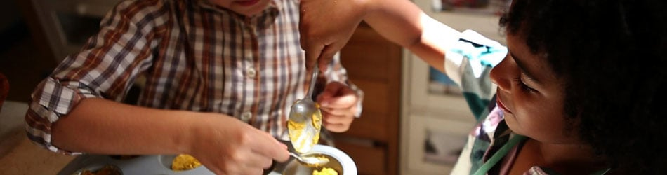 Kids Cooking / present perfecto films