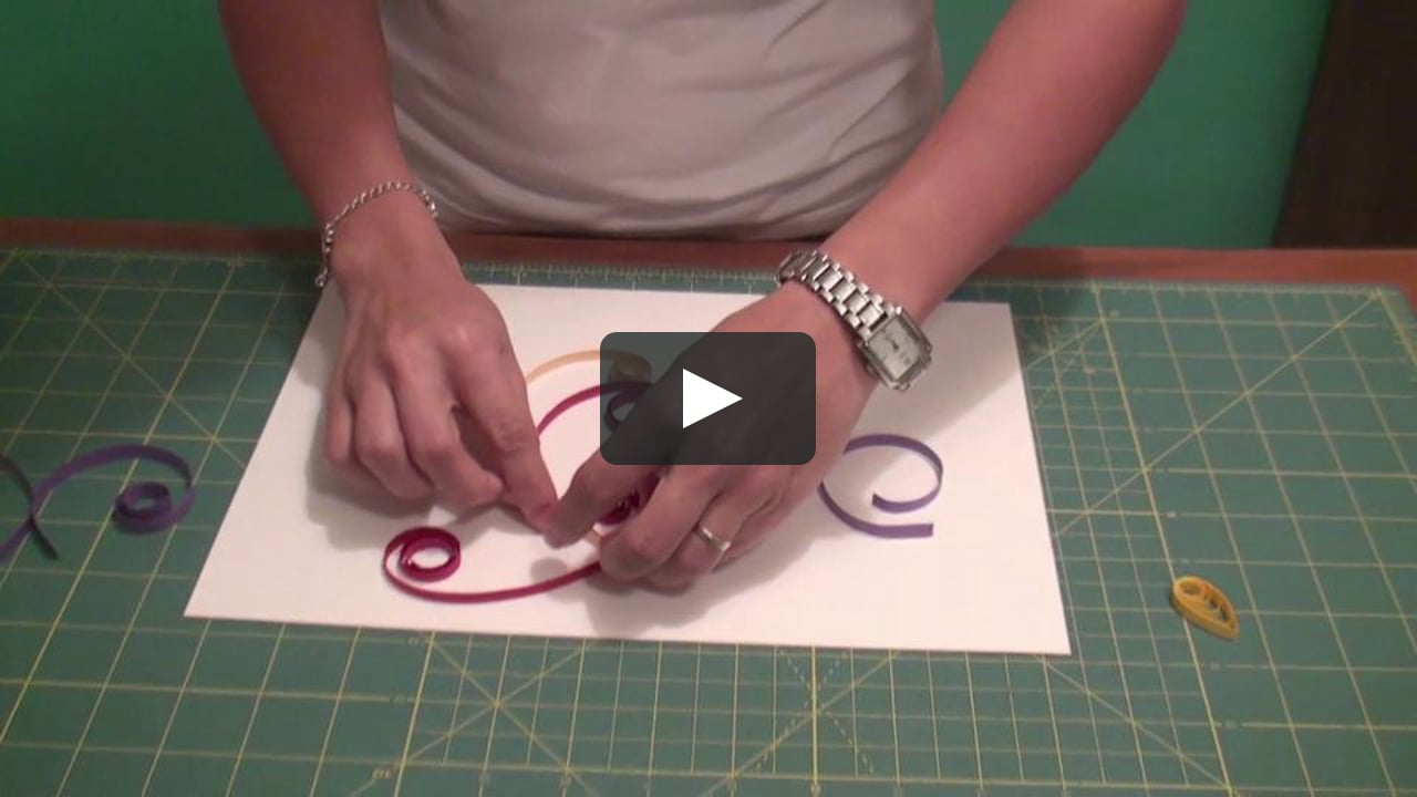 Papercraft Kryscila Mattos ensina a arte do quilling