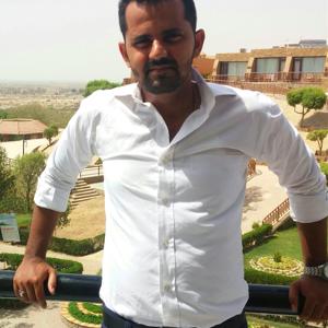 Profile picture for Arif Naqvi
