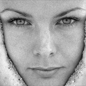 Profile picture for Anna Halldin-Maule