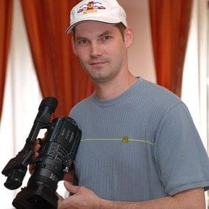 Profile picture for Adrian Covaliu