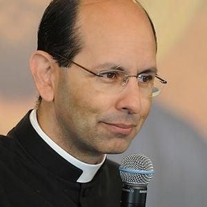 Profile picture for Padre Paulo Ricardo