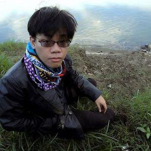 Profile picture for Angus Lorenzo