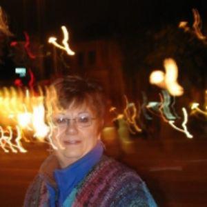 Profile picture for Lynda Leonard