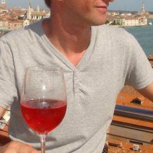 Profile picture for Maciek Wu