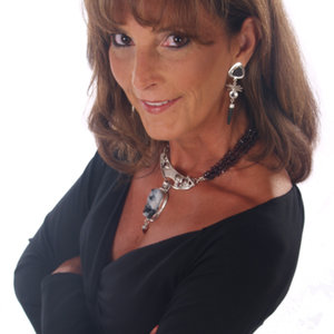 Profile picture for Lynn Harrisberger