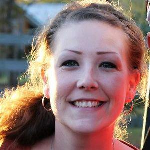 Profile picture for Dee Anna Gray