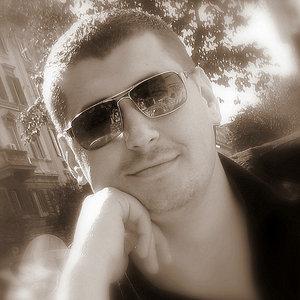 Profile picture for Max Litvak