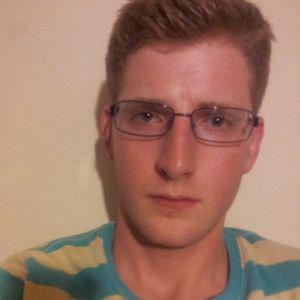 Profile picture for Simon Crowe