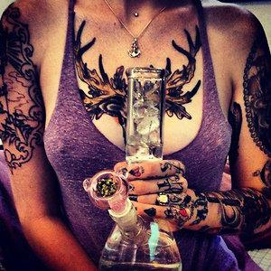 Tattoogirls Weed