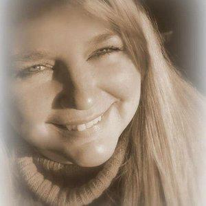 Profile picture for Dawn Pollock