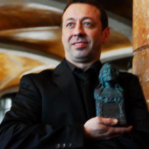 Profile picture for Javier Almeda