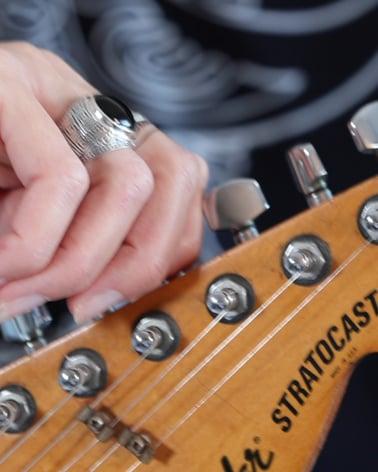 Video: Anelli Biker Onix Argento Massiccio 925