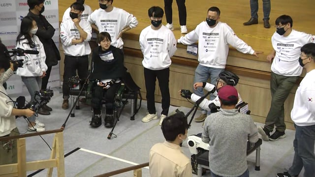 C2020_EXO_Angel-Robotics-1_BIB505_Race3_165A_2