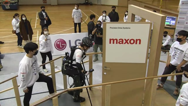 C2020_EXO_Angel-Robotics-2_BIB506_Race1_162A_2
