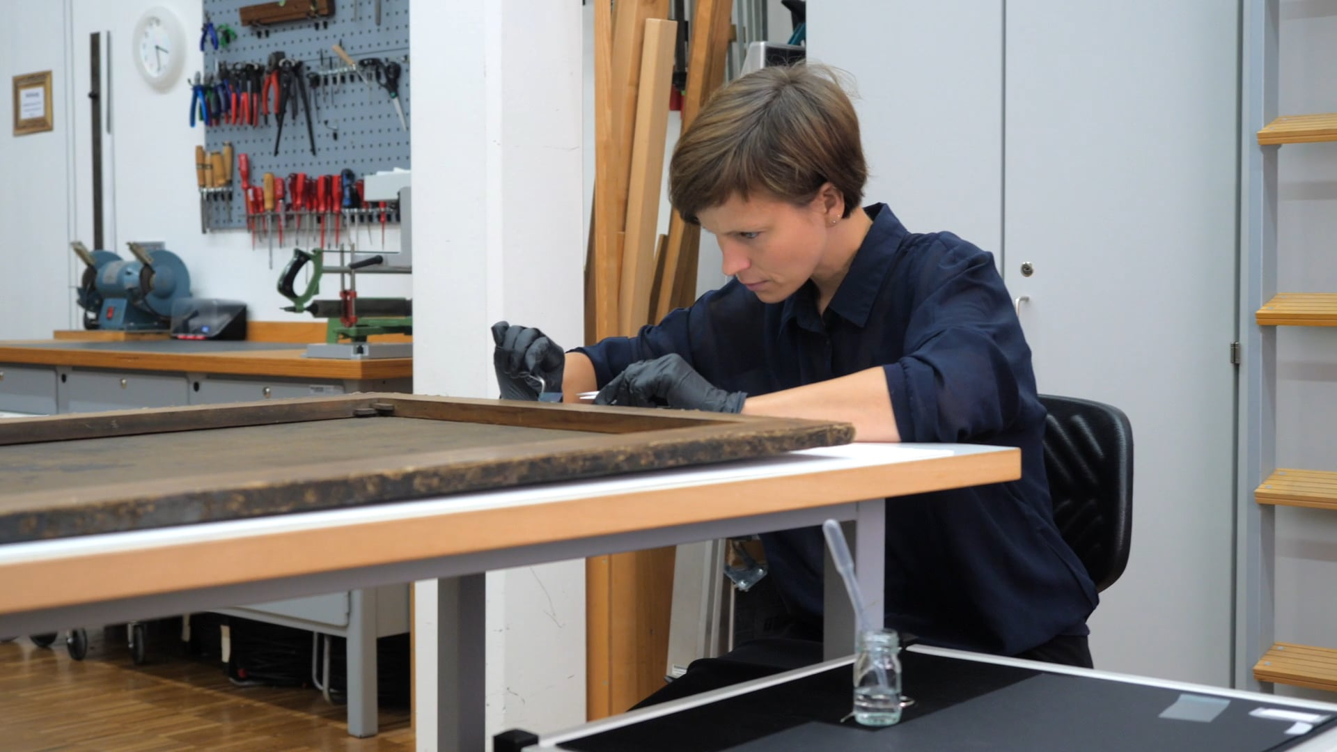 Klebstoffgitter - Methode und Anwendung zur Verklebung von Leinwandgemälden