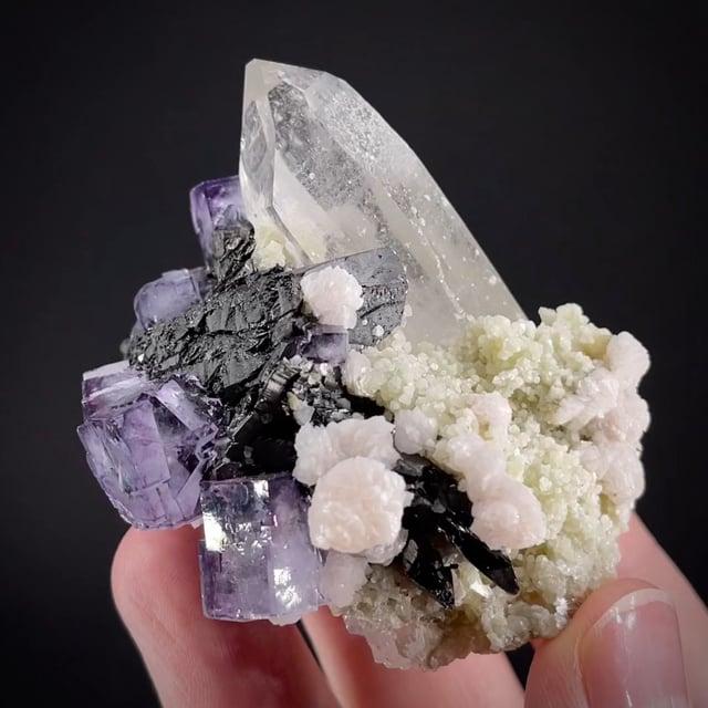 Wolframite, Fluorite, Quartz